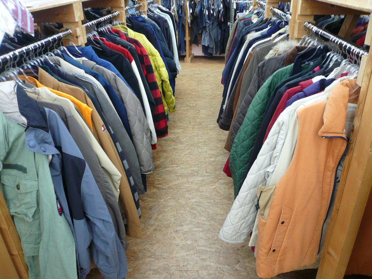 秋冬もの衣類 を売るなら 総合リサイクルショップフライズ佐賀店 佐賀市 買取り